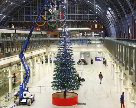 World Largest Ever Lego Christmas Tree Arrives At London's St Pancras Railway Station