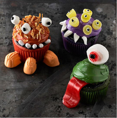 21 Creepy and Unusual Halloween Cupcakes