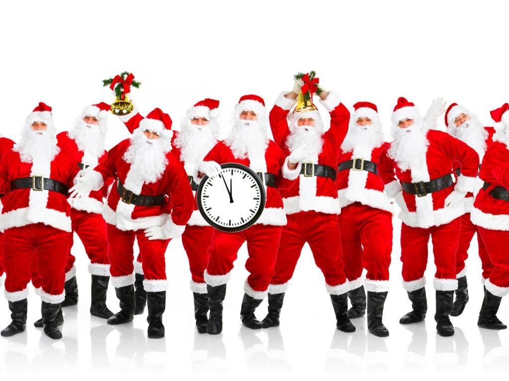 Alot of Santas