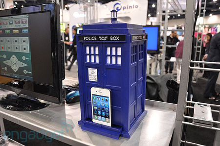 Doctor Who TARDIS dock