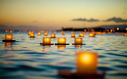 Lantern Calmness by Troy Wong