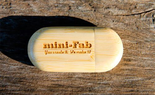 Personalized Bamboo USB Flash Drive